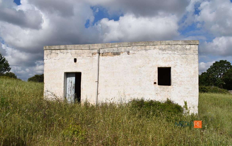 rustico-compravendita-locazione-aste-giudiziarie-appartamenti-case-ville-trulli-casali-masserie-magazzini-depositi-terreni-beni-immobili-mediareimmobiliare