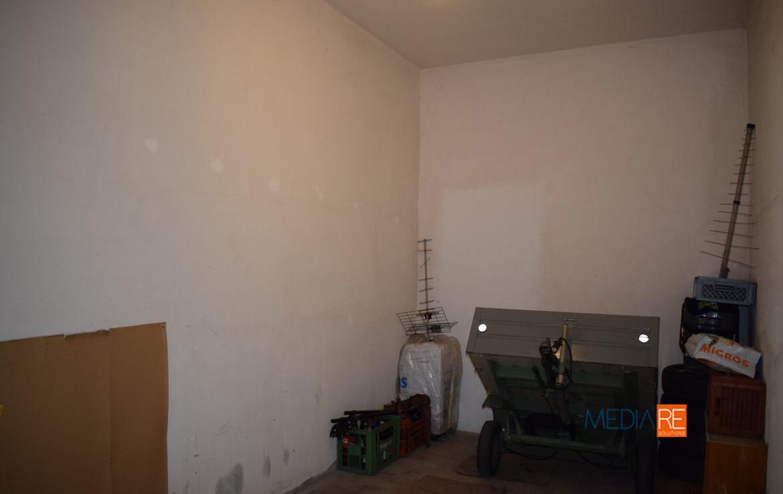 garage-compravendita-locazione-aste-giudiziarie-appartamenti-case-ville-trulli-casali-masserie-magazzini-depositi-terreni-beni-immobili-mediareimmobiliare