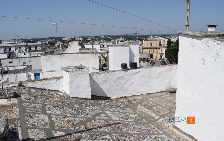 patioesterno-compravendita-locazione-aste-giudiziarie-appartamenti-case-ville-trulli-casali-masserie-magazzini-depositi-terreni-beni-immobili-mediareimmobiliare