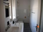 15 bagno-compravendita-locazione-aste-giudiziarie-appartamenti-case-ville-trulli-casali-masserie-magazzini-depositi-terreni-beni-immobili-mediareimmobiliare