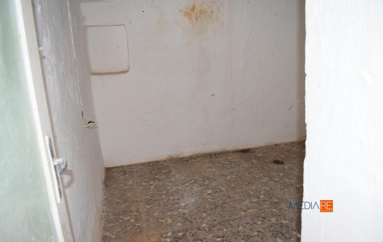 interno-compravendita-locazione-aste-giudiziarie-appartamenti-case-ville-trulli-casali-masserie-magazzini-depositi-terreni-beni-immobili-mediareimmobiliare
